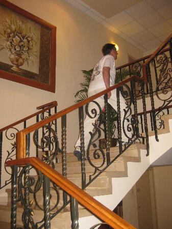 Unipark Hotel: Debíamos subir un piso por escalera hasta nuestra habitación.