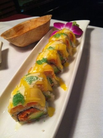 Empire Asian Bistro: mango dancing roll
