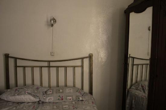 Hotel Salammbo : Zimmer