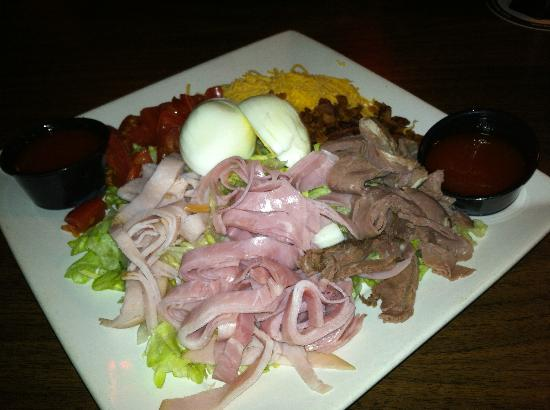 Mainstreet Bar & Grill: Chef Salad with French dressing