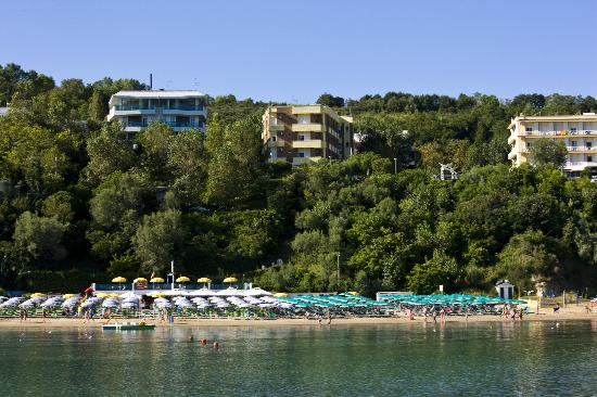 Gabicce Mare, Włochy: Gabicce. Alberghi in mezzo al verde del Parco del San Bartolo