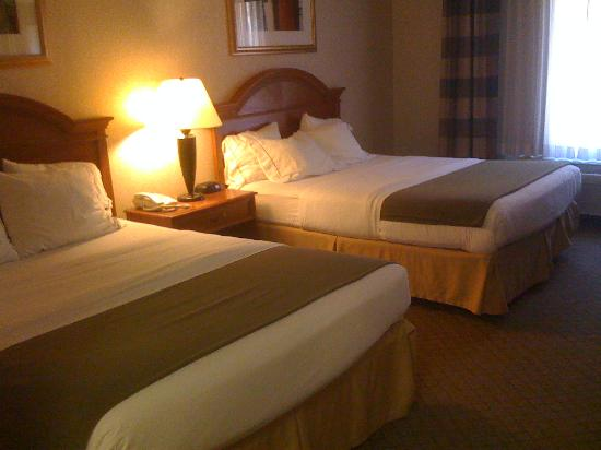 Holiday Inn Express Hotel & Suites Dubois: Comfy Beds
