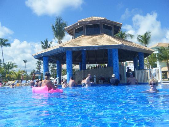 Ocean Blue Sand Swim Up Bar