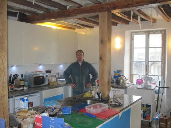 Normandy Beach B & B : Getting ready for breakfast . . .