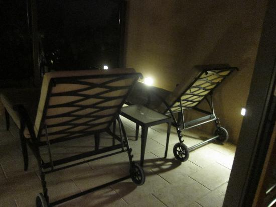 The Resort at Pelican Hill : patio at night
