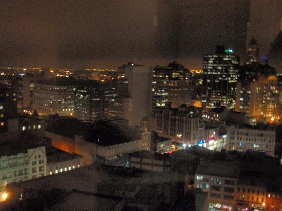 View Night Time Picture Of Aloft New York Brooklyn Brooklyn