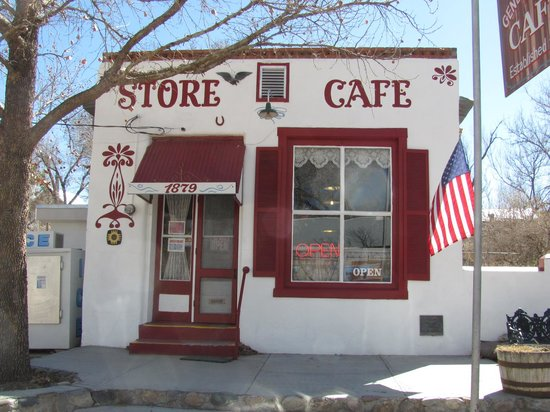 Hillsboro, NM: Outside front