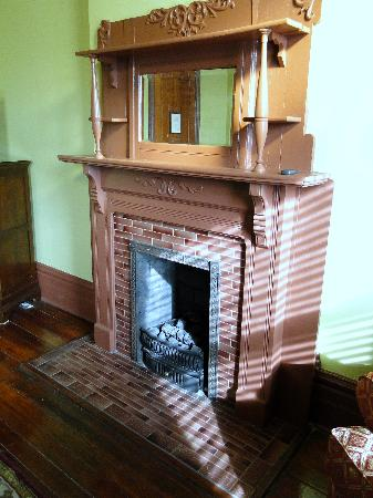 The Fitzpatrick Hotel: fireplace in room 301