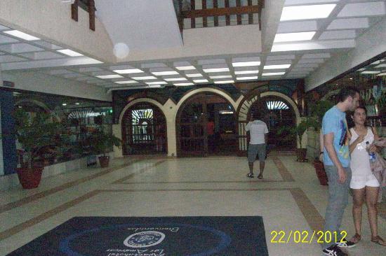Apartahotel Las Americas: UN HOTEL TRANQUILO Y BIEN UBICADO