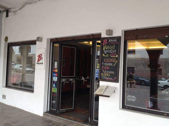 Brava Grill & Pasta : Brava is tucked away behind a colonade on the north side of the street.