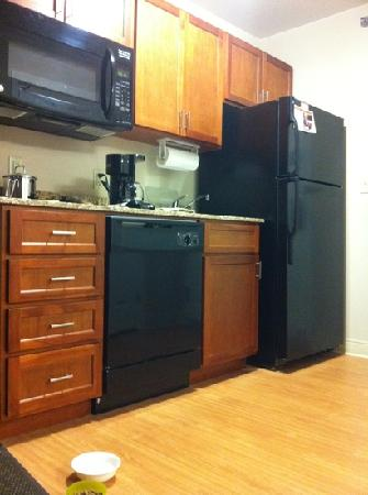 Candlewood Suites Chambersburg: kitchen