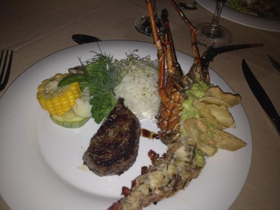 Claro Que Si Seafood Restaurant: Extravaganza