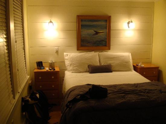 Admiral's Landing: room 1