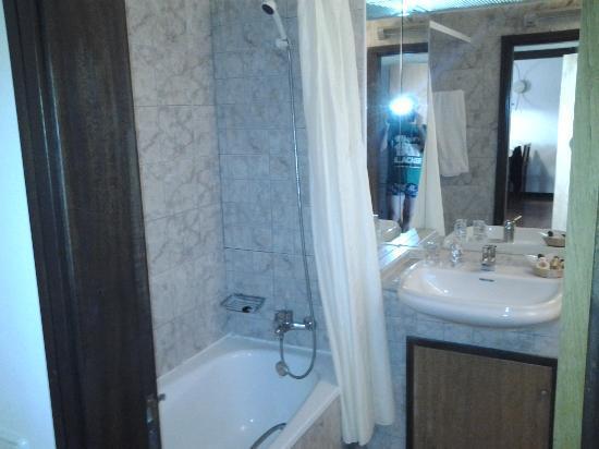 Hotel Paraiso de Albufeira: bathroom