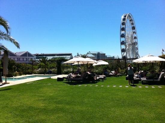 Queen Victoria Hotel: piscina