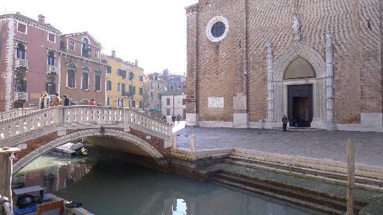Basilica Santa Maria Gloriosa dei Frari: Santa Maria Gloriosa dei Frari - from across the nearby canal