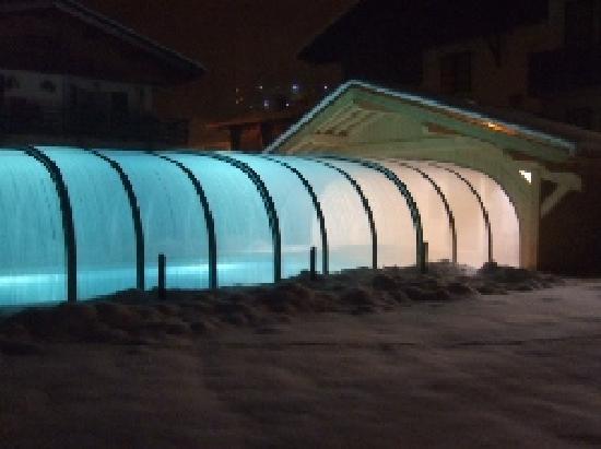 Hotel Alpen Roc: Notre piscine couverte et jacuzzi