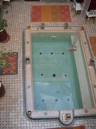 Riad la Croix Berbere: piscine