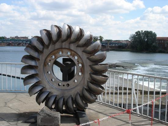 Bazacle ancienne turbine.