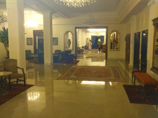 La Residence & Idrokinesis: Hall d'entrée