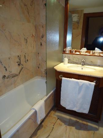 Hotel Villa Guadalupe: our bathroom
