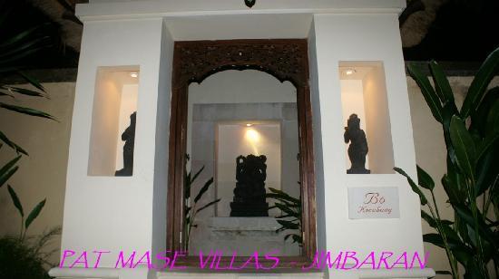 Pat-Mase, Villas at Jimbaran : Entrée villa 3 chambres
