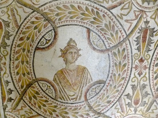 قصر الجم, تونس: détail de la mosaïque des 9 muses