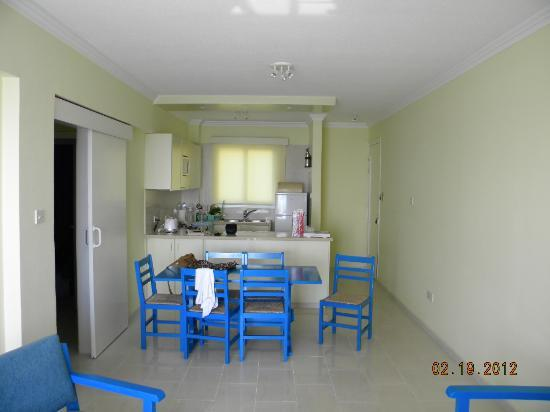 Paphinia Sea View Apartments: living area and kitchen