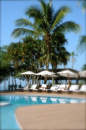 Costa Verde Tabatinga Hotel: Deck, piscina e praia