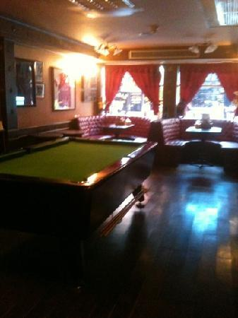 ‪‪Queen Victoria Inn‬: free pool table‬