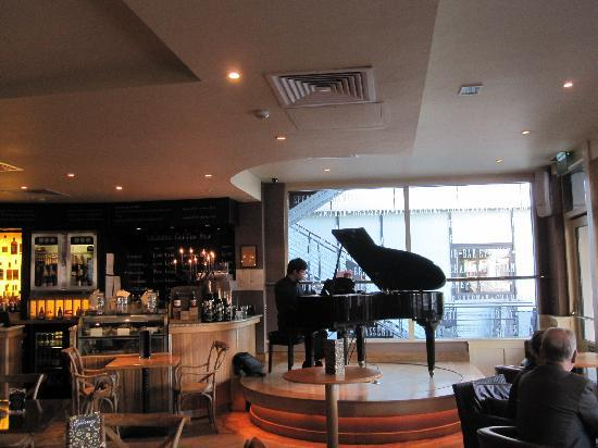 Bar Epernay: Piano Bar