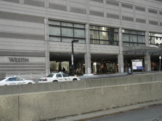 The Westin Copley Place, Boston: Valet Parking