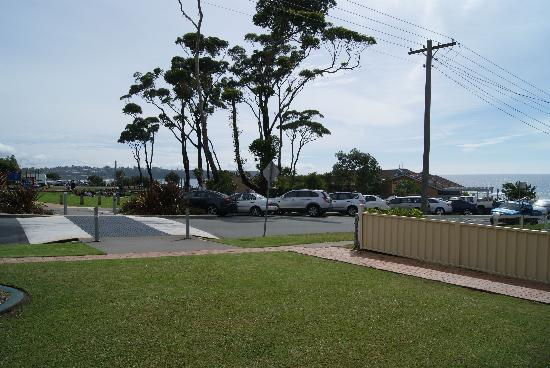 Mollymook Surfbeach Motel & Apartments: View from the back porch