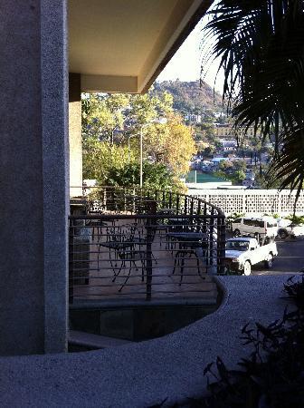 Hotel Honduras Maya: Terraza del bar