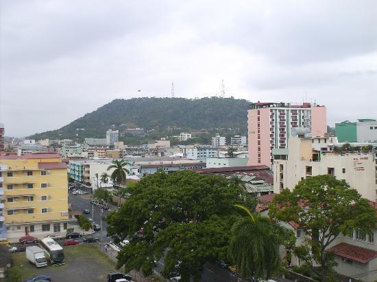 Bahia Suites Hotel: Vista desde el Hotel al Cerro Ancón