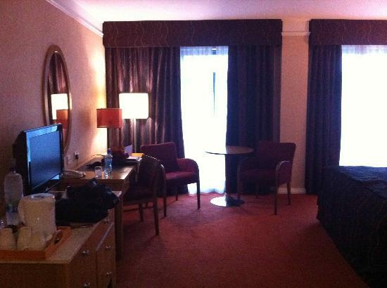 Kilkenny Ormonde Hotel: My spacious room