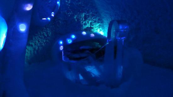 "ICEHOTEL: De ""Viking"" Art Suite"