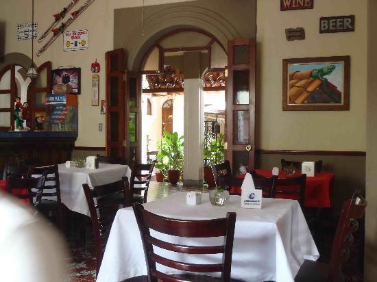 Hotel Los Balcones De Leon: Hotel Restaurant
