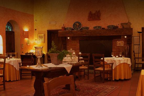 Montu' Beccaria, Italie : La sala del camino