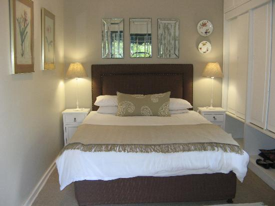 Rutland House Bed & Breakfast: Bedroom in Garden Room