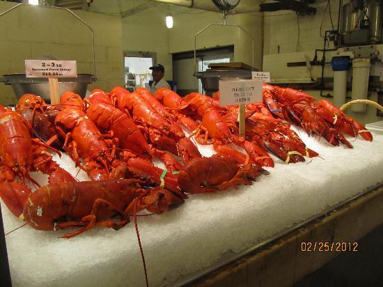 Foods of New York Tours: The Lobster Place in Chelsea Market