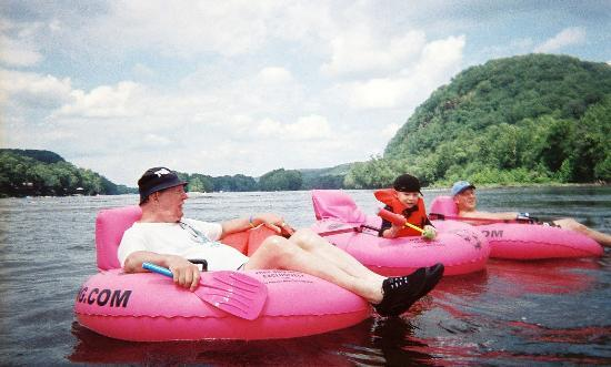 Delaware River Tubing: lazy day on the river