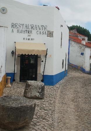 Ilustre Casa Ramiro: The entrance to Ilustre Casa
