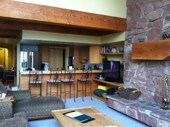 Stag Lodge: Living area