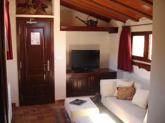 Hotel Rural Masia La Mota: Ante sala Grand Suite