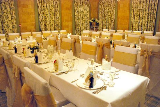 Moorpark House Hotel: table set up