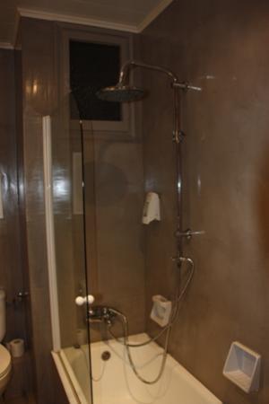Hotel Pessets & Spa: Baño
