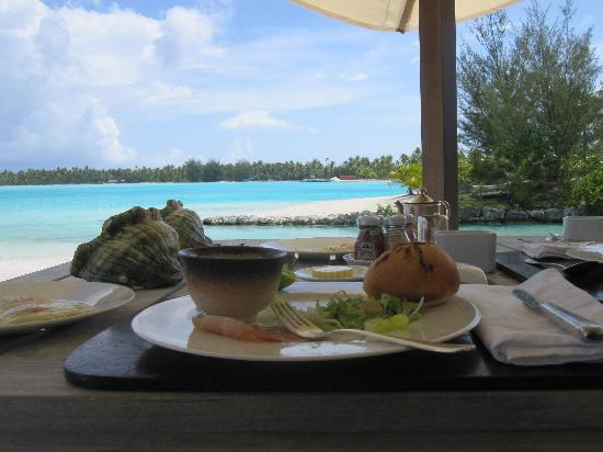 The St. Regis Bora Bora Resort: Lovely beach breakfast.