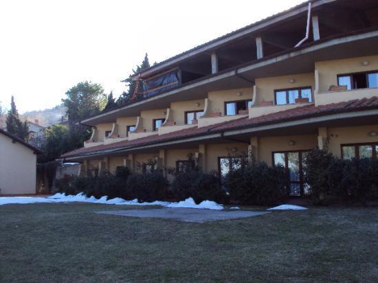 Hotel Al Parco: vista dell'hotel dal giardino