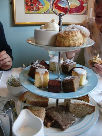Amersham, UK: Gilbey's Afternoon Tea